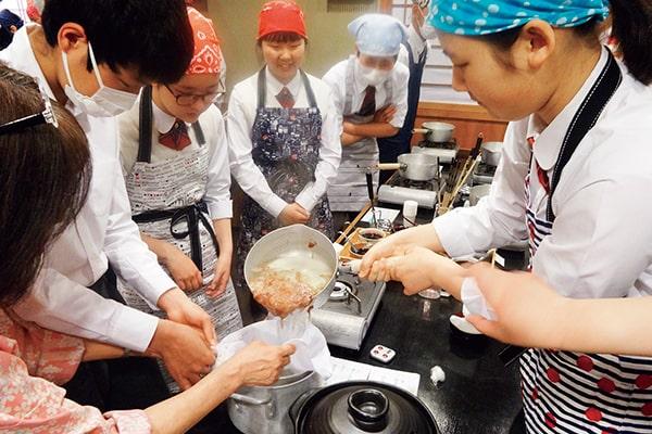 京料理 出汁のとり方について学ぶ