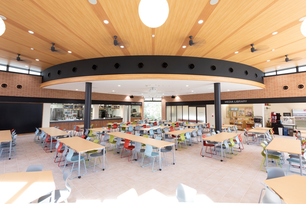 カフェ・レストラン・多目的ホール