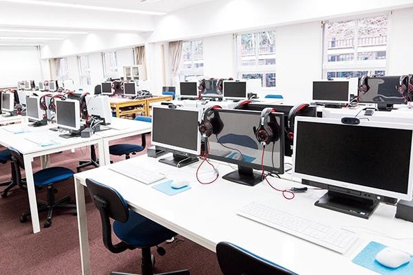 第1コンピュータ教室(光楠館)
